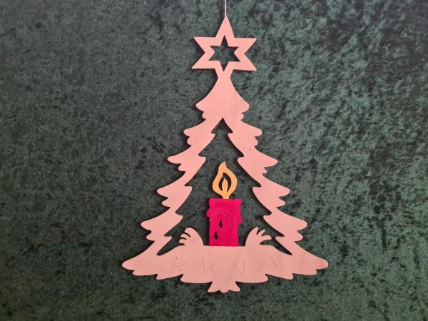 Tannenbaum mit roter Kerze