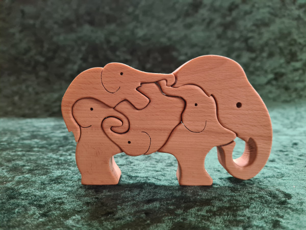 Massivholz - Puzzle 5 Elefanten ineinander