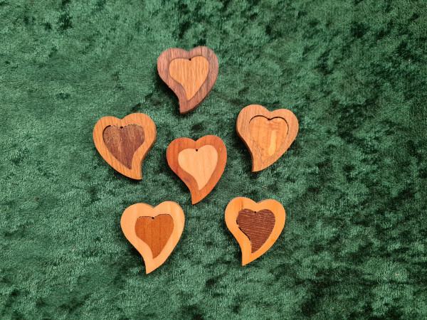 Massivholz - Anhänger - Herz - asymmetrisch