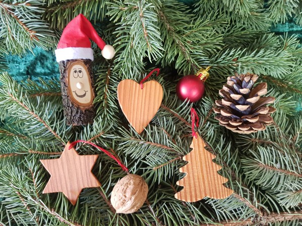 Christbaum-Weihnachtsbaum-Holzanhänger in Lärchen- Massivholz